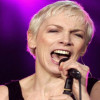 Annie Lennox – Keep Young And Beautiful